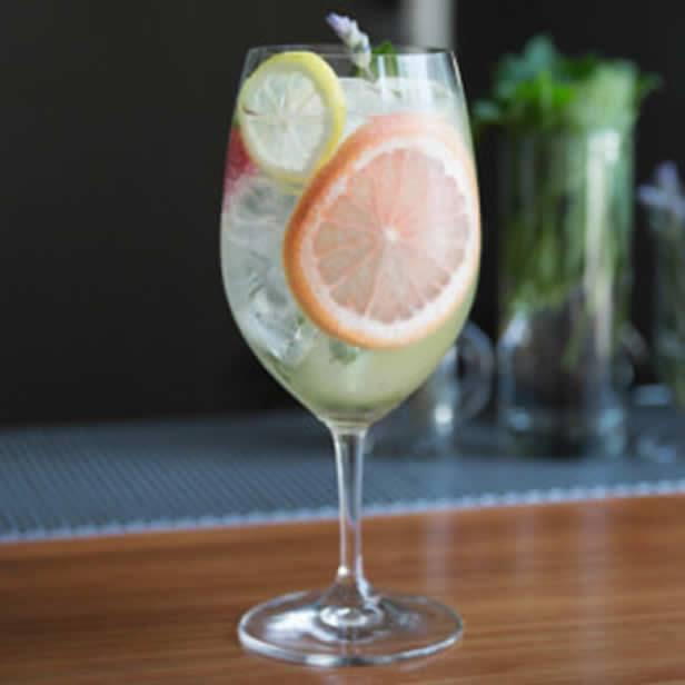 Garden Gin & Tonic kokteilis